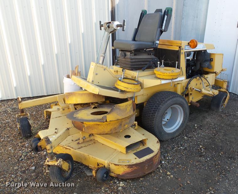 Hustler 3200 ZTR lawn mower
