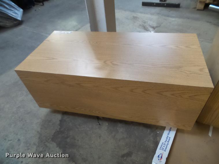 (5) seat benches