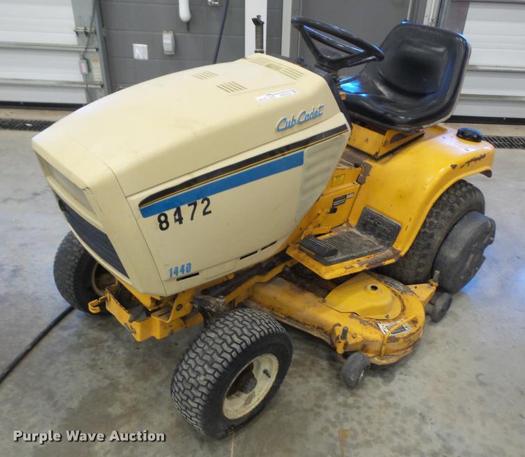 Cub Cadet 1440 lawn mower
