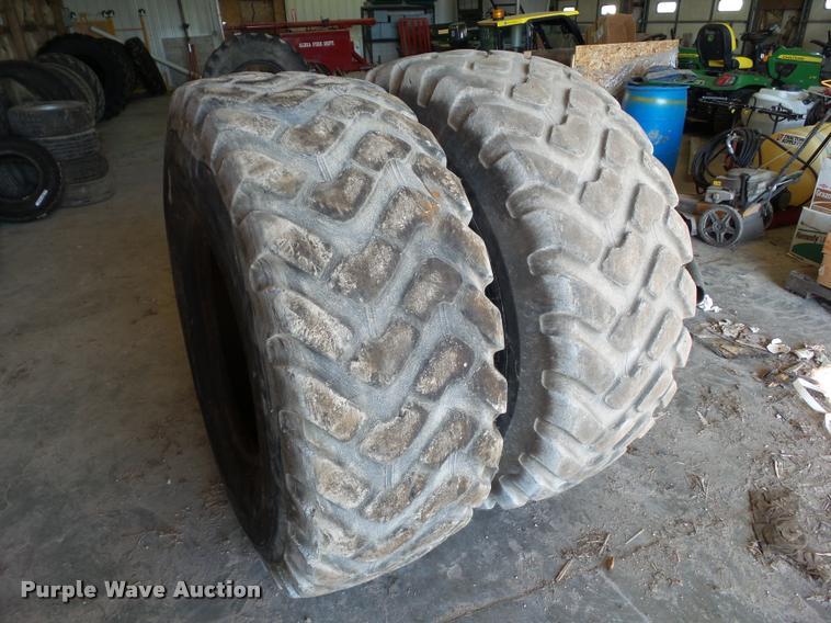 (2) Michelin XTL-A TL 20.5R25 tires