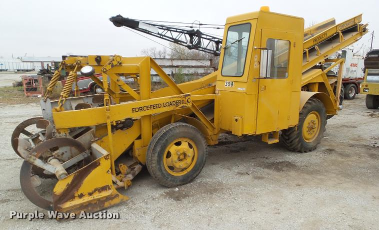 1974 Athey Force Feed loader