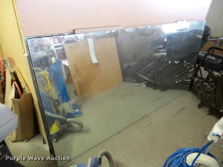 (2) mirrors