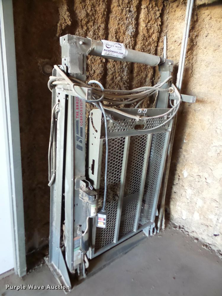 Braun wheelchair lift