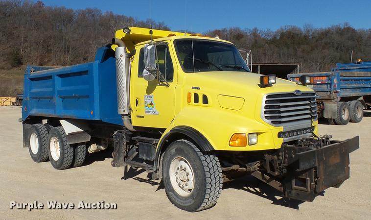 2002 Sterling L9513 dump truck
