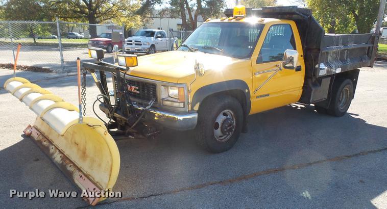 1999 GMC Sierra Classic 3500 dump bed truck