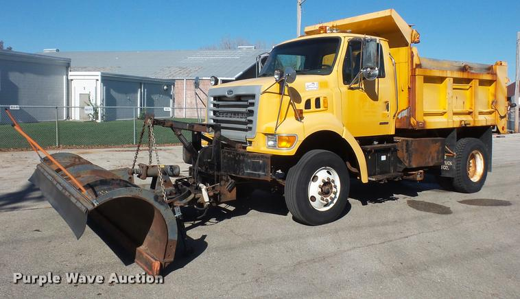 2004 Sterling L7500 dump truck