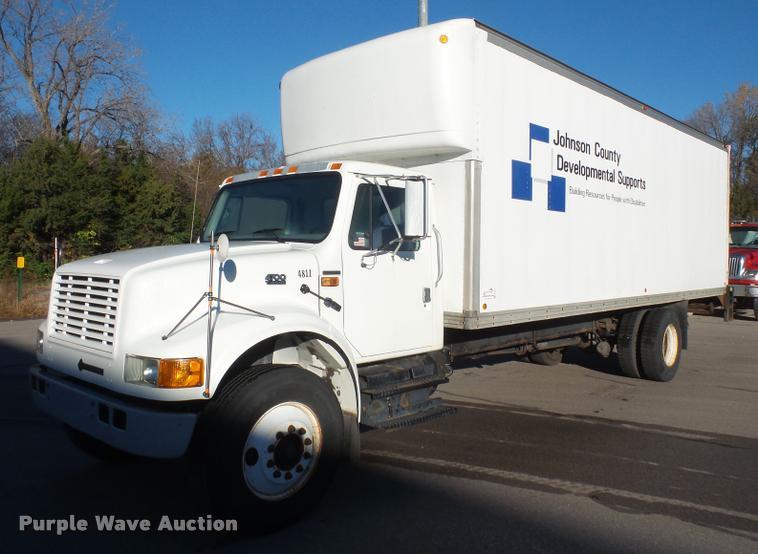 2002 International 4700 box truck