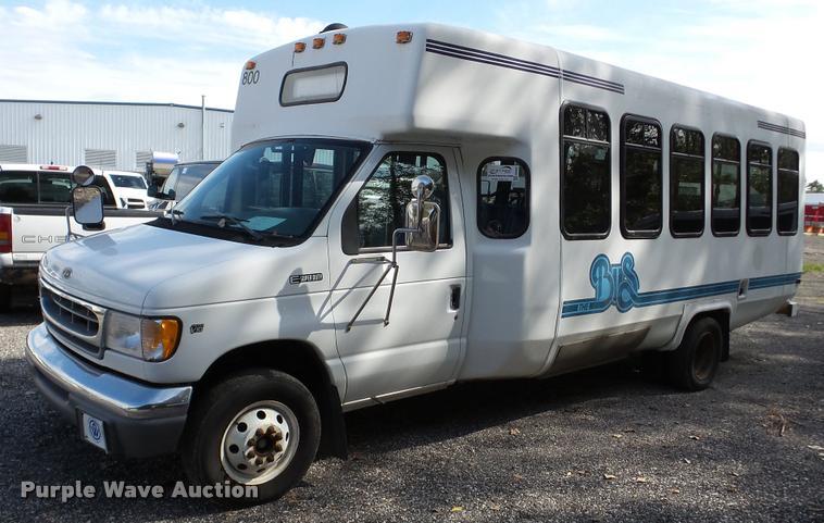 1998 Ford Econoline E450 shuttle bus