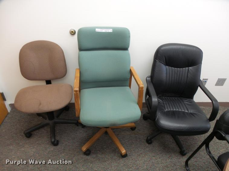 (3) office chairs