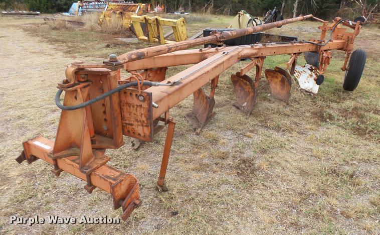 Allis Chalmers 2000B five bottom plow