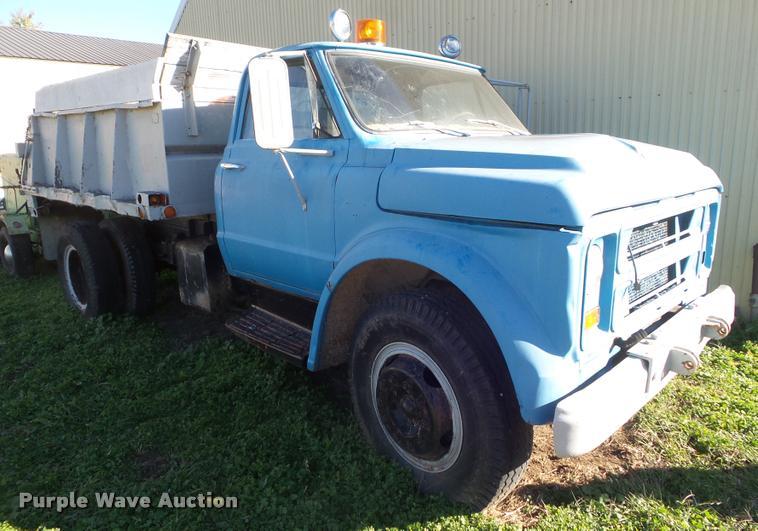 1967 Chevrolet dump truck