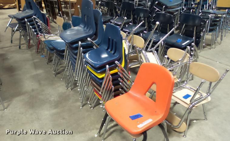 (52) student chairs
