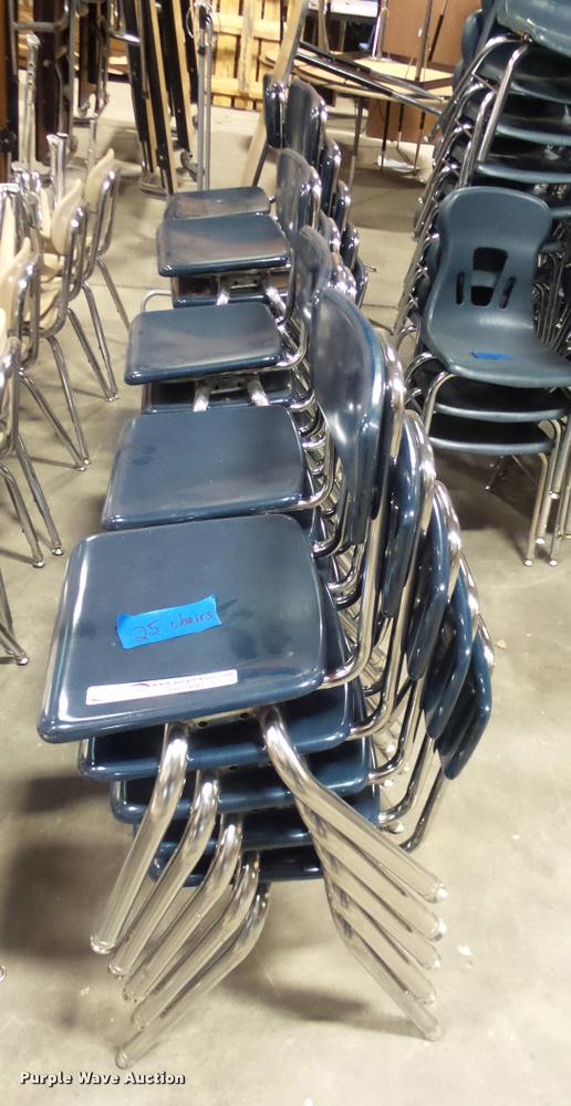 (25) student chairs