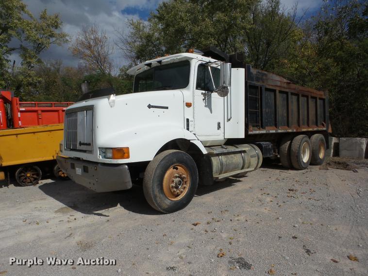 1995 International 9200 dump truck