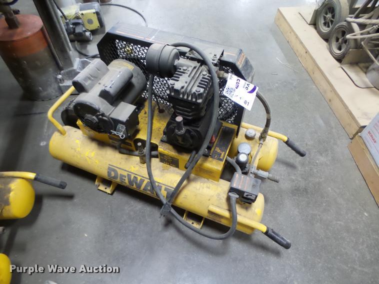 DeWalt D55570 air compressor