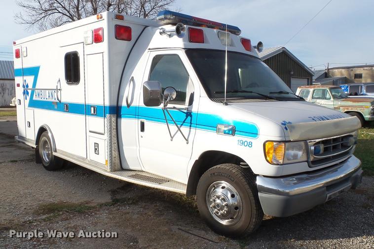 1999 Ford Econoline E450 ambulance