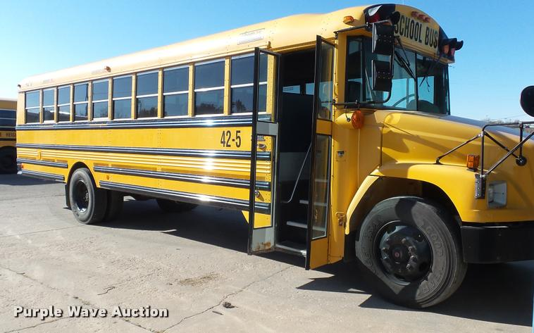2005 Freightliner FS65 Thomas school bus