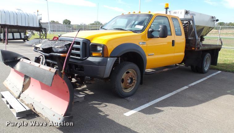2006 Ford F450 Super Duty XL SuperCab flatbed truck