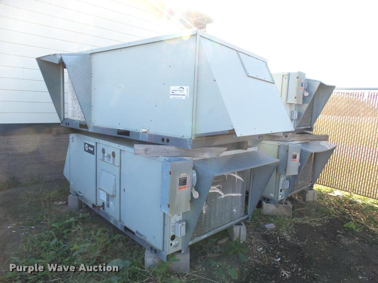 (4) Trane VC009003LFBE roof top AC units