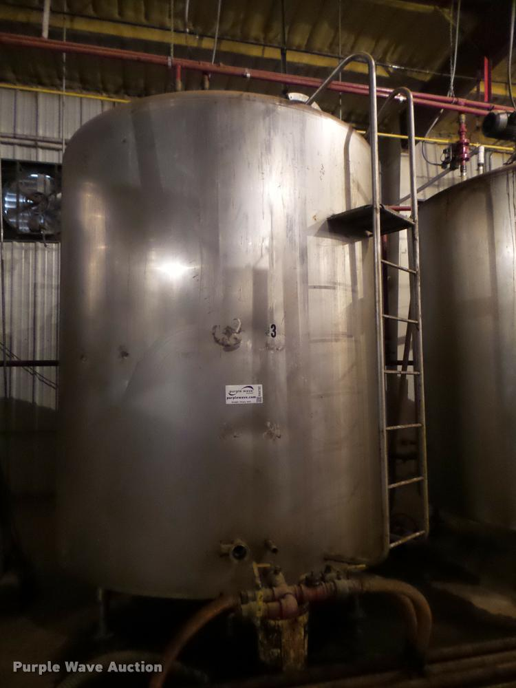 Mueller vertical steel tank
