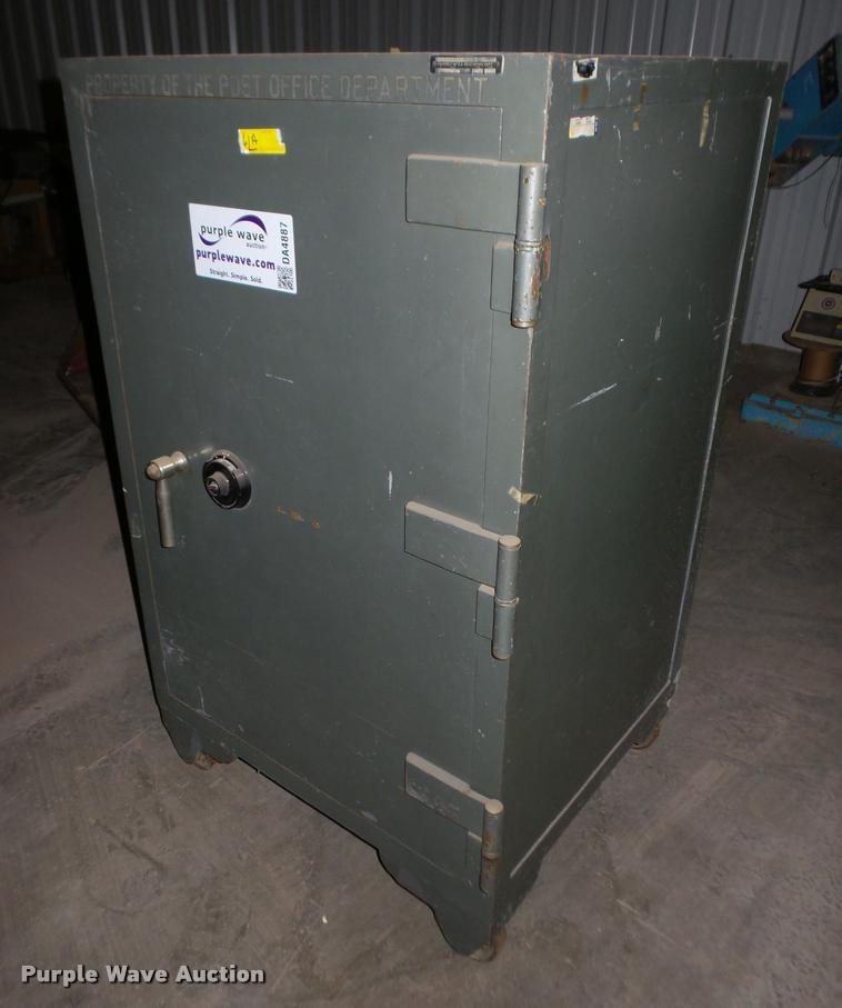 1952 Herring Hall Marvin safe