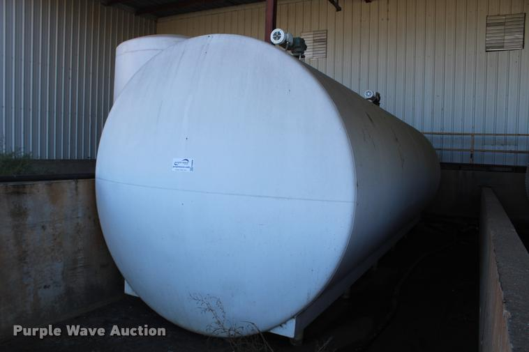 Horizontal steel tank