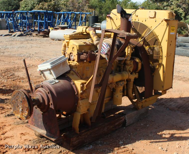 Caterpillar 3406 six cylinder turbo diesel engine with clutch drive
