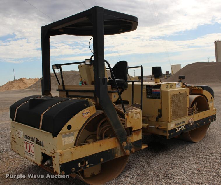 2005 Ingersoll Rand DD90 double drum vibratory roller