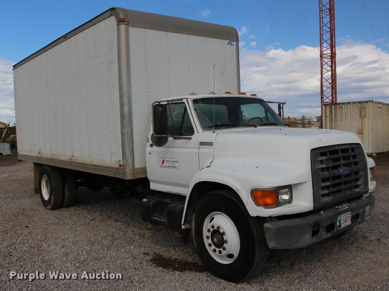 1996 Ford F800 box truck