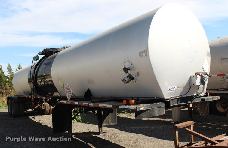 1989 Fruehauf TEH-F2-R7000 tank trailer