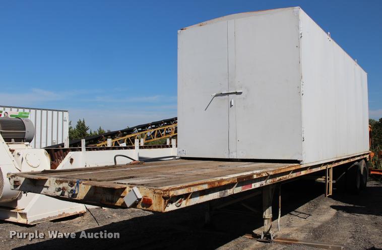Caterpillar enclosed generator with Lufkin trailer
