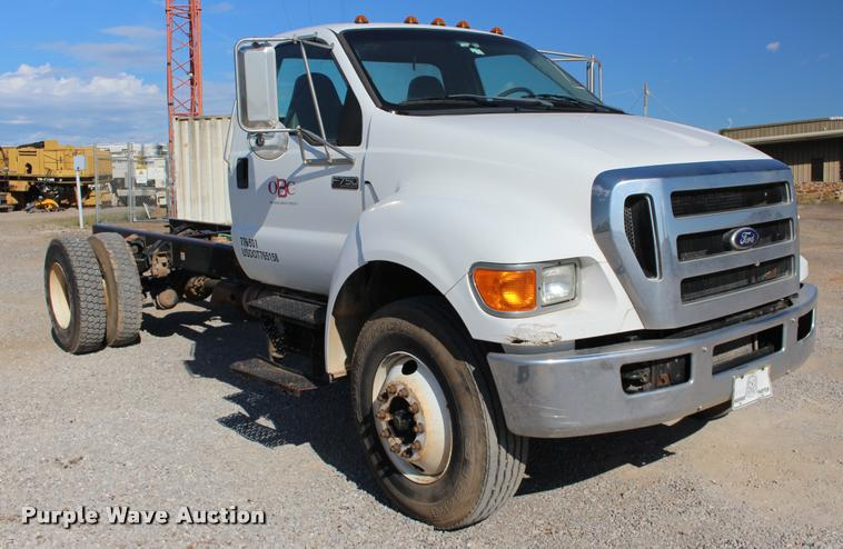 2010 Ford F750 Super Duty XL truck cab and chassis