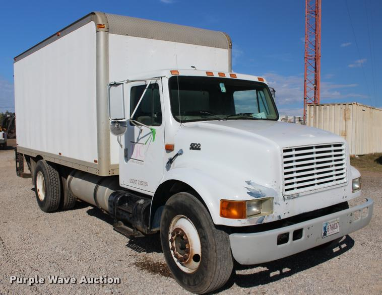 1999 International 4700 box truck