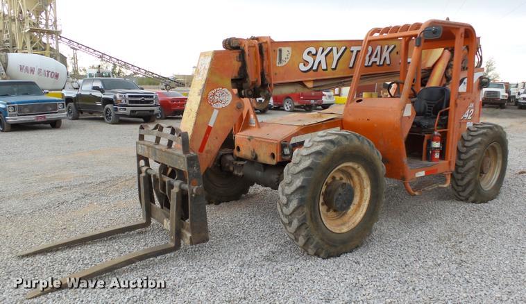 2004 Sky Trak 8042 Legacy Series telehandler
