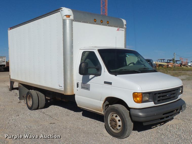 2007 Ford Econoline E450 box truck