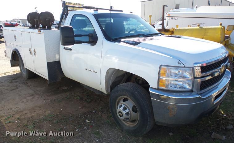 2011 Chevrolet Silverado 3500HD utility truck