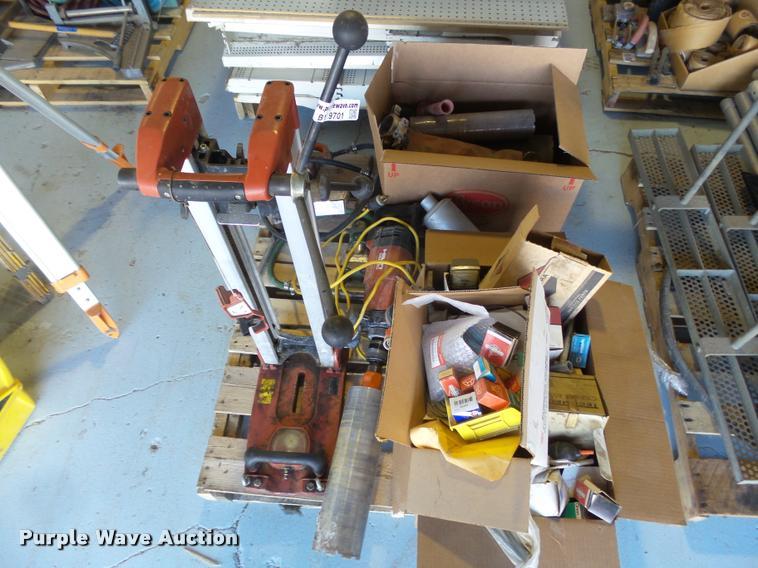 Floor drill