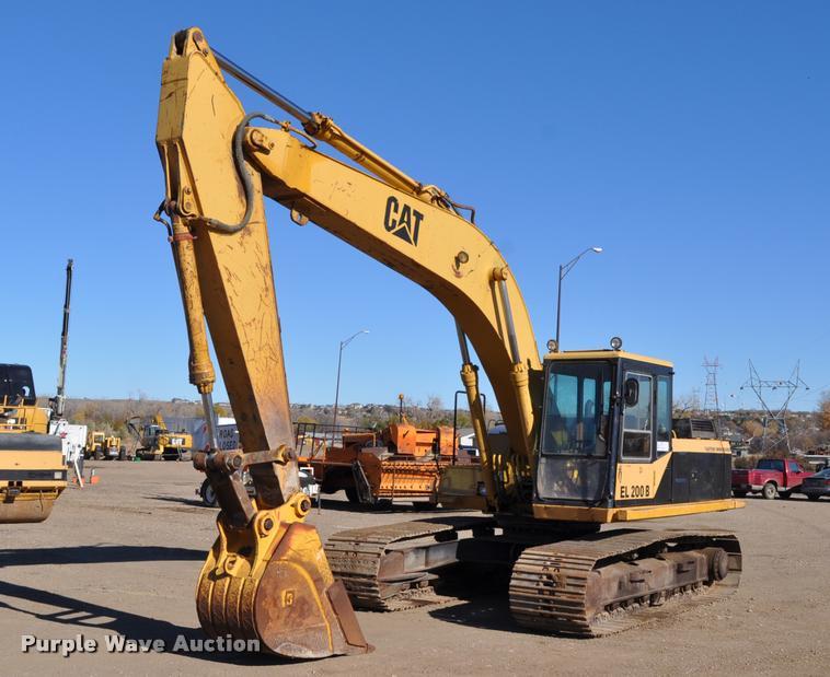 1990 Caterpillar EL200B excavator