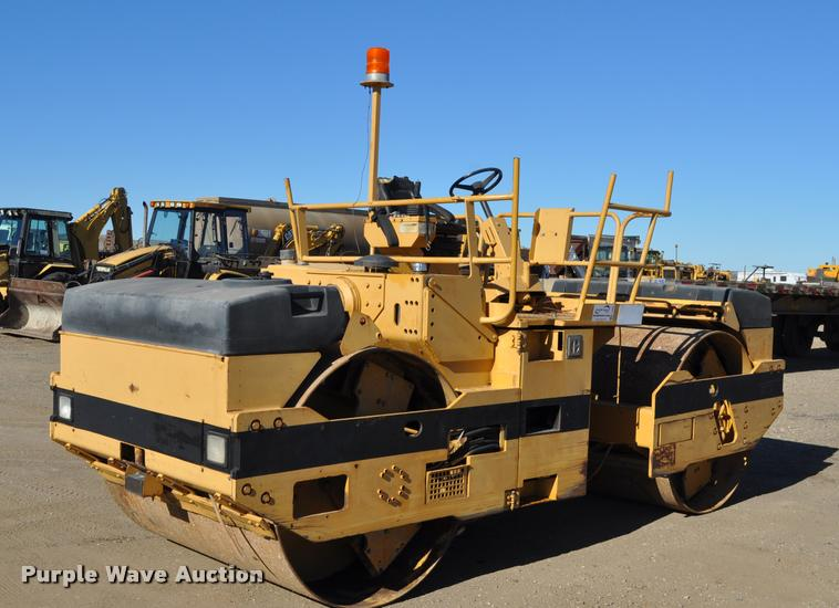 1990 Caterpillar CB-534 double drum vibratory roller
