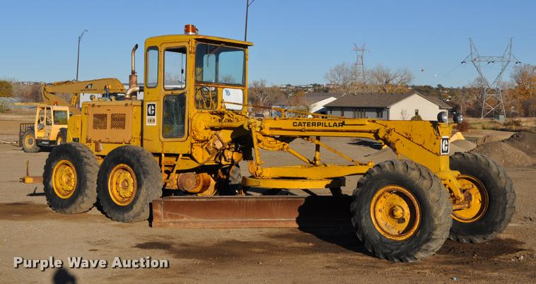 1972 Caterpillar 120 rigid frame motor grader