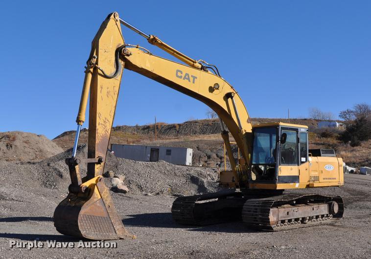 1989 Caterpillar EL200B excavator