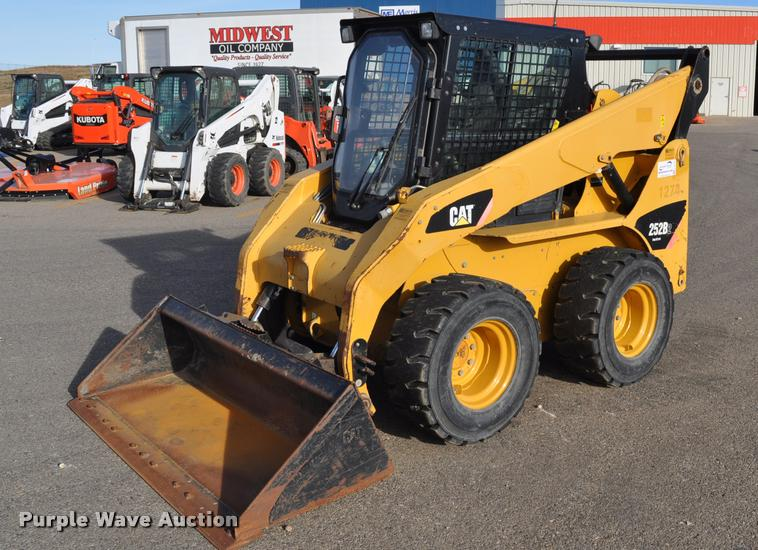 2009 Caterpillar 252B skid steer