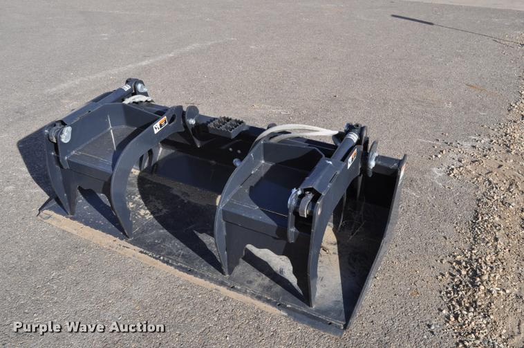 2013 Kubota S6626 skid steer grapple bucket