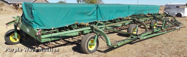 (4) John Deere 9300 hoe grain drill