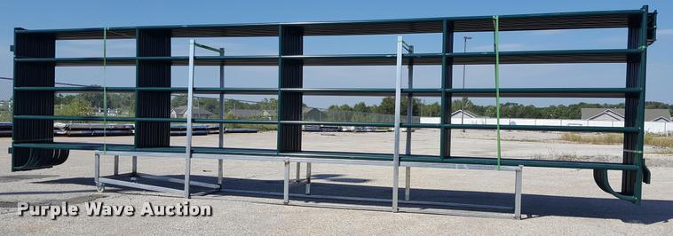 (14) corral panels