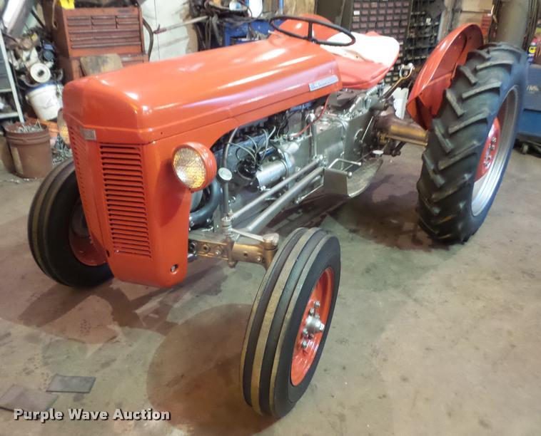 1950 Ferguson TO-20 tractor