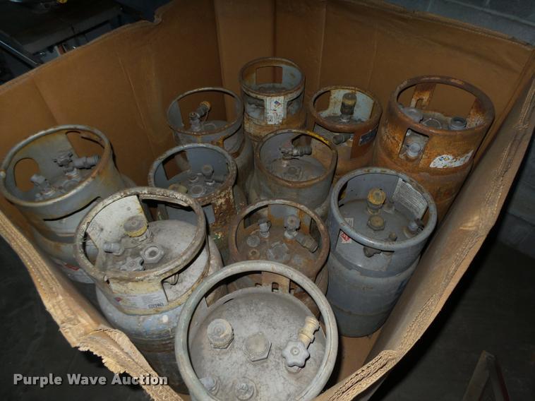 (11) propane forklift bottles
