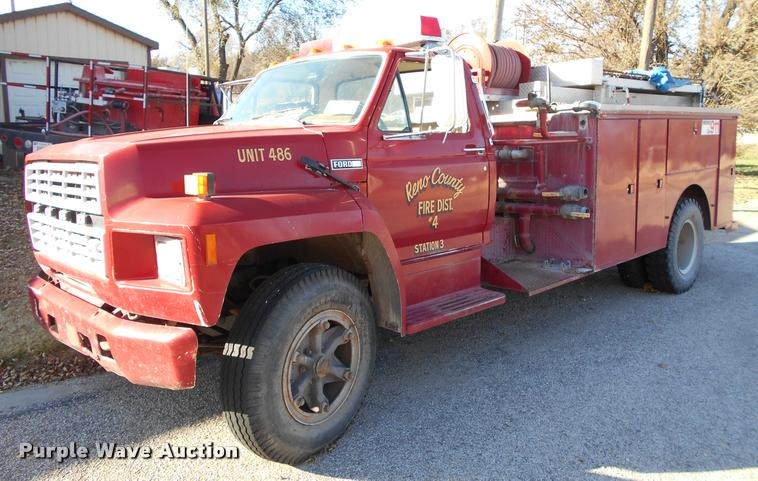 1984 Ford F700 brush fire truck