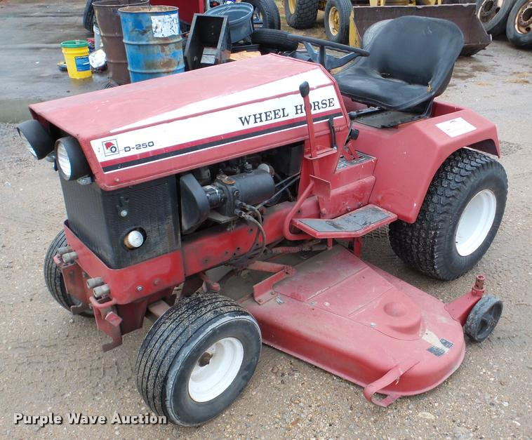 Wheel Horse D-250 lawn mower