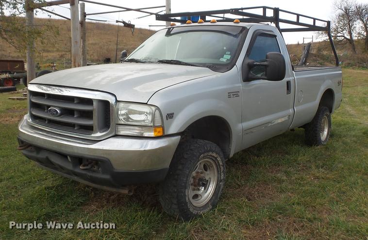 2002 Ford F350 Super Duty pickup truck